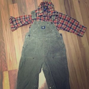 Toddlers OshKosh overalls and flannel shirt set